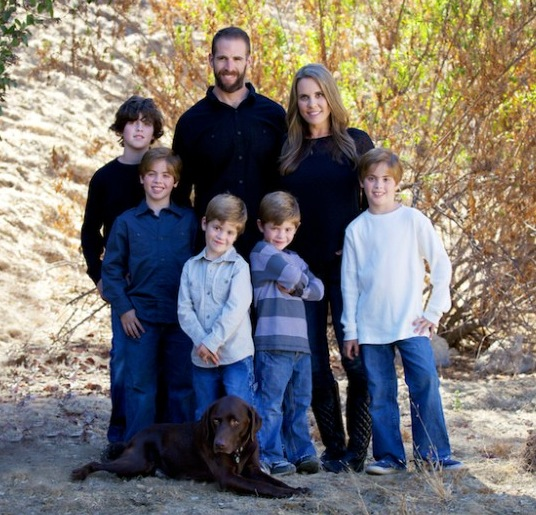 Jennifer, her husband Mike, and their 5 boys
